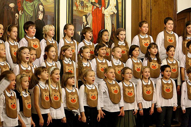 Bringing You the News - Christmas concert of Brumlíci and their guests, 20.12.2012