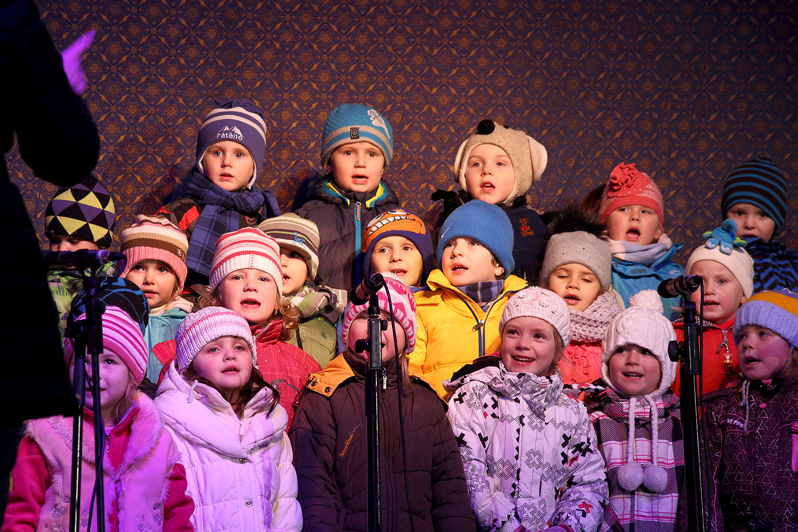 3rd Advent Sunday - Sing Along at the Christmas Tree, 15.12.2013