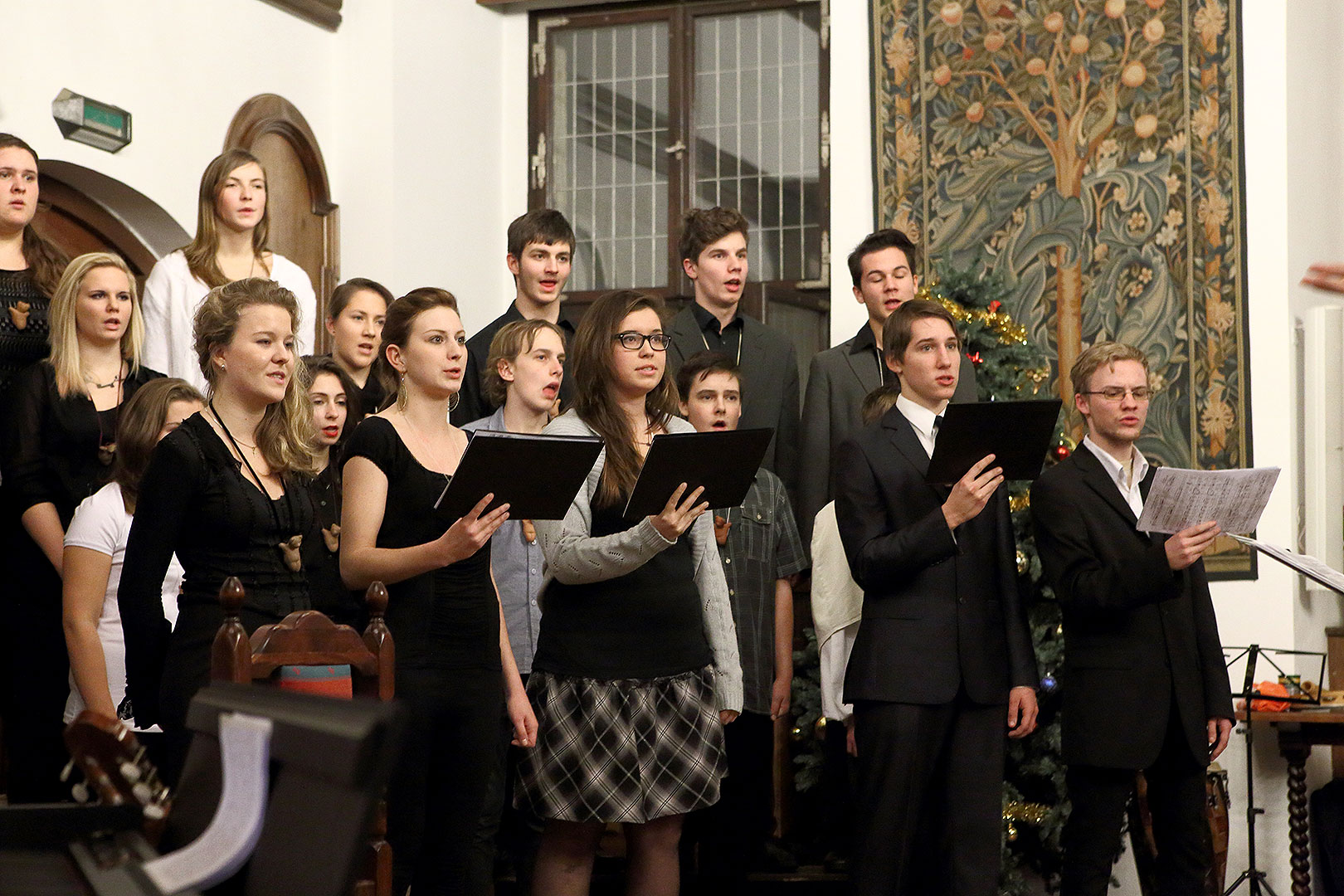 Time of Joy and Happiness - Concert by Medvíďata, Artistic Elementary School Český Krumlov, 22.12.2013