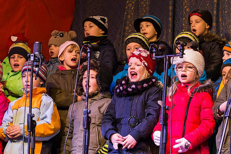 Singing Together at the Christmas Tree, 3rd Advent Sunday 13.12.2015