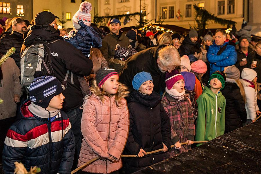 1st Advent Sunday - Music- and Poetry-filled Advent Opening and Lighting of the Christmas Tree, Český Krumlov 27.11.2016