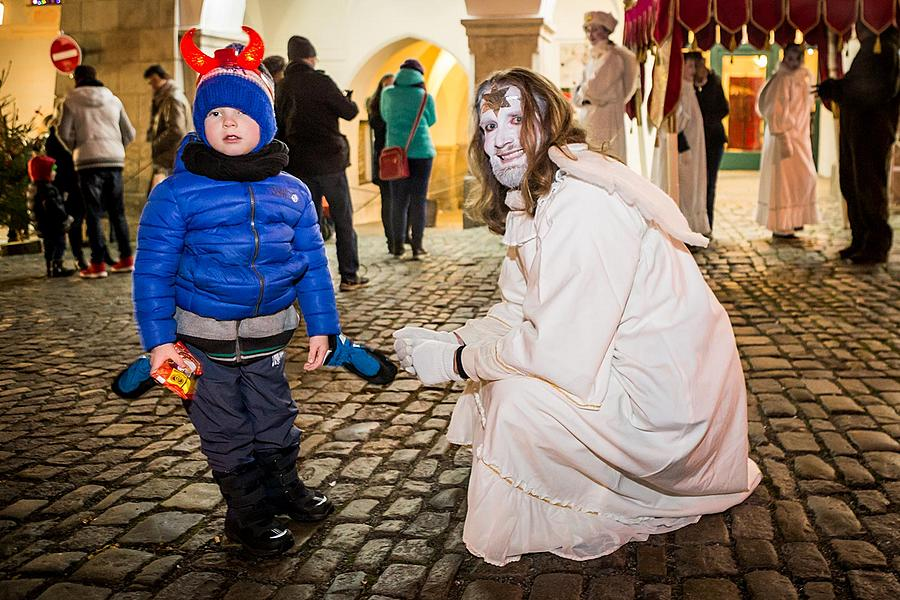 St. Nicholas Present Distribution 4.12.2016, Advent and Christmas in Český Krumlov