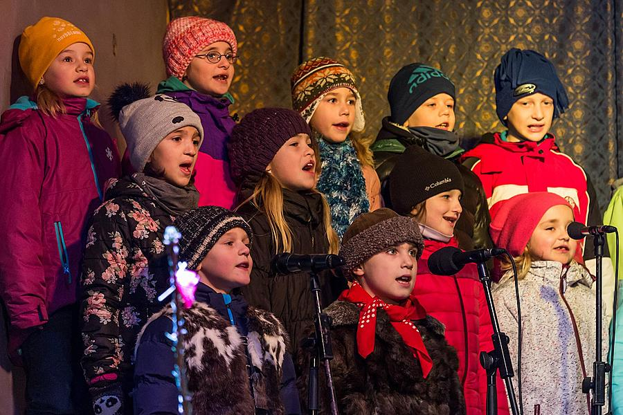 Singing Together at the Christmas Tree, 3rd Advent Sunday 11.12.2016