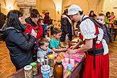 Český Krumlov Monasteries: Craft Workshop and Christmas, Decoration Making, 17.12.2016, photo by: Lubor Mrázek