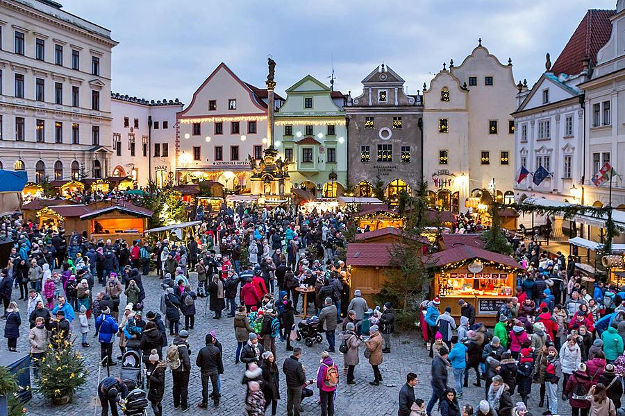 1st Advent Sunday - Music- and Poetry-filled Advent Opening and Lighting of the Christmas Tree, Český Krumlov, Český Krumlov 3.12.2017