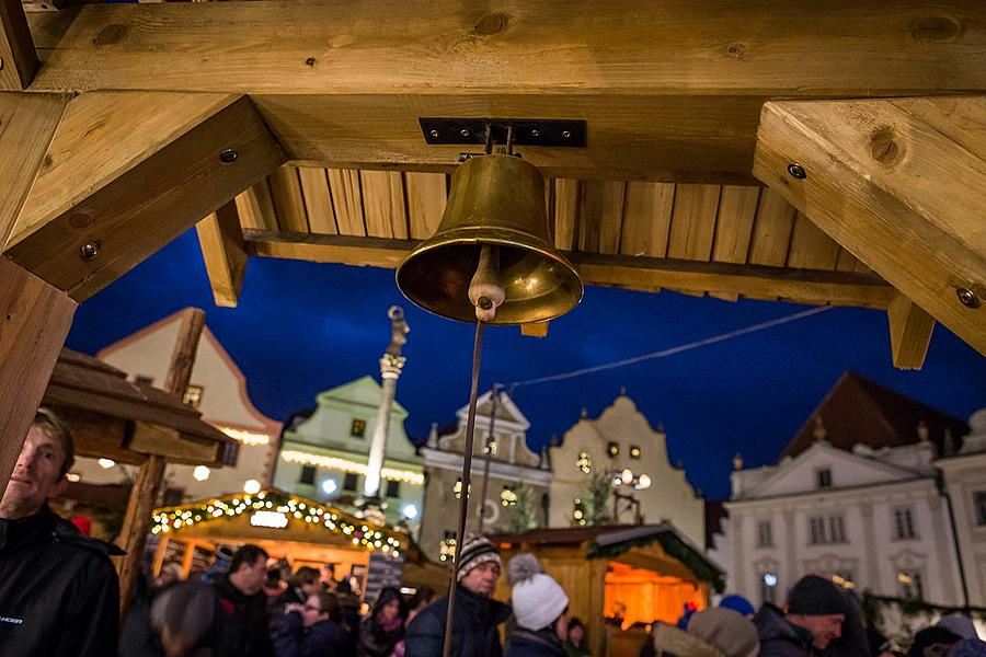 St. Nicholas Present Distribution 5.12.2017, Advent and Christmas in Český Krumlov