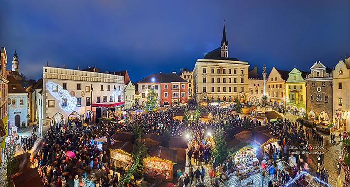 1. adventní neděle - otevření Adventu spojené s rozsvícením vánočního stromu, Český Krumlov 1.12.2019